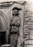 Die Portalfiguren auf dem Gutshof Keudelstein