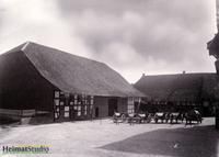 Keudelstein - Innenhof mit Stallungen