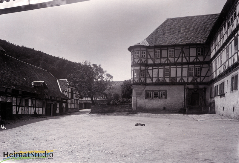 Keudelstein - Blick zum Wohnhaus und dem Hofeingang